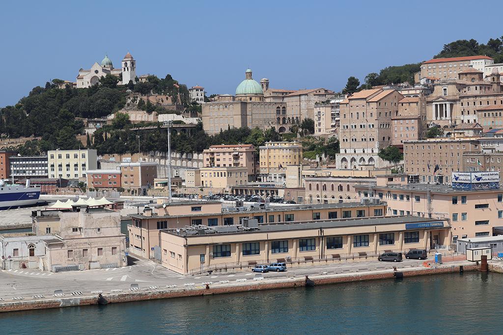 Hafen von Ancona.